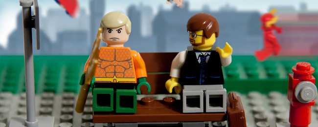 aquaman-waiting-for-the-downtown-bus