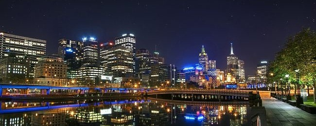 cities-at-night-wallpaper-collection-series-two-00